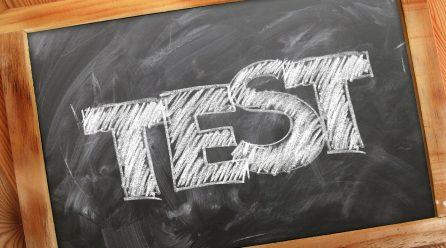 Egzaminy na prawo się zmienią? Eksperci chcą końca kucia na blachę!