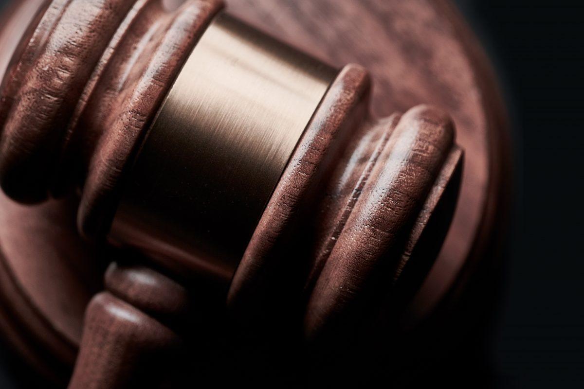 Kulisy batalii sądowej w sprawie stanu ważności bezterminowego prawa jazdy