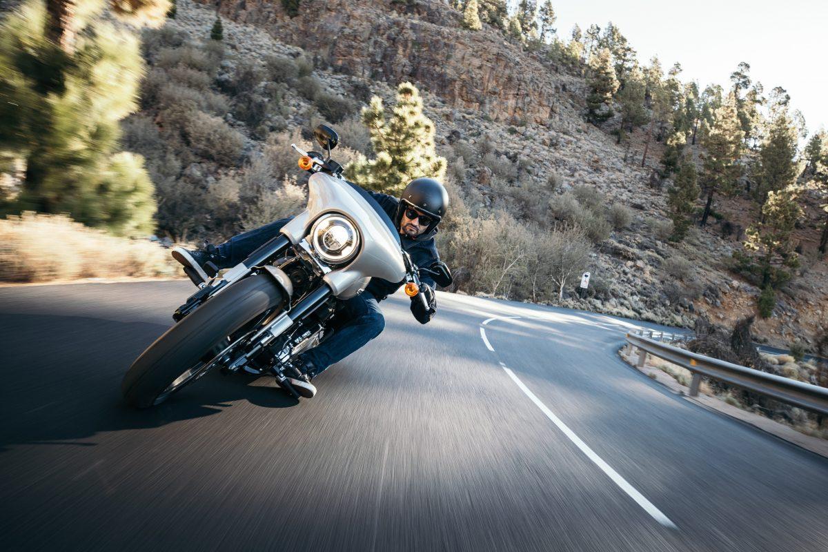 W maseczce na motocyklu? Co mówią przepisy?