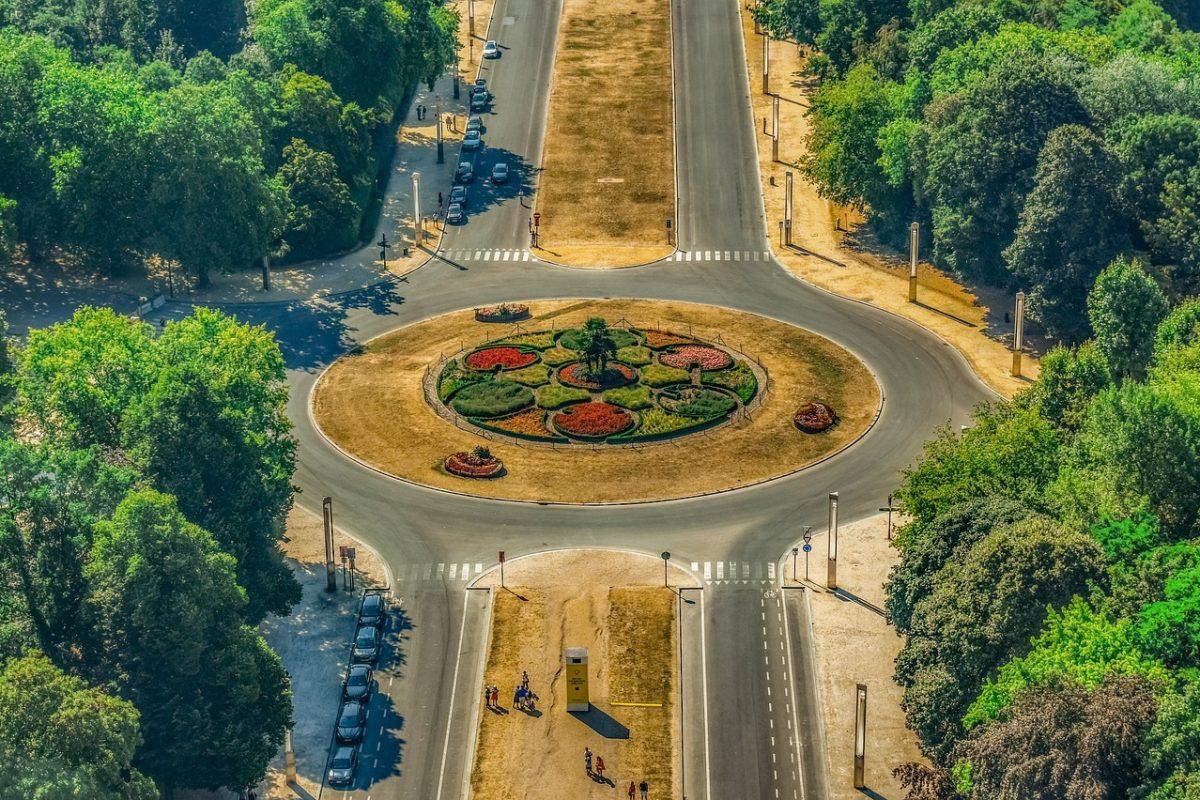 Najbardziej skomplikowane przepisy drogowe — TOP 5