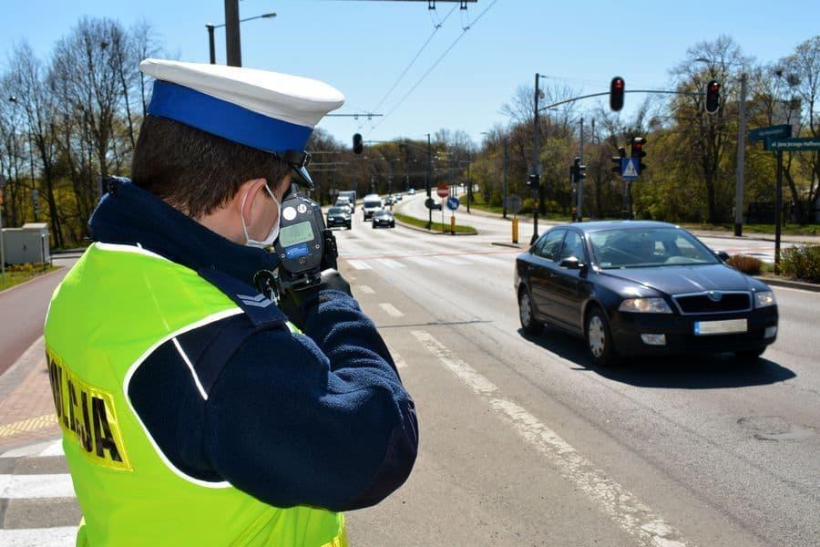 Świętokrzyskie. Policjanci zatrzymali prawo jazdy sześciu kierowcom