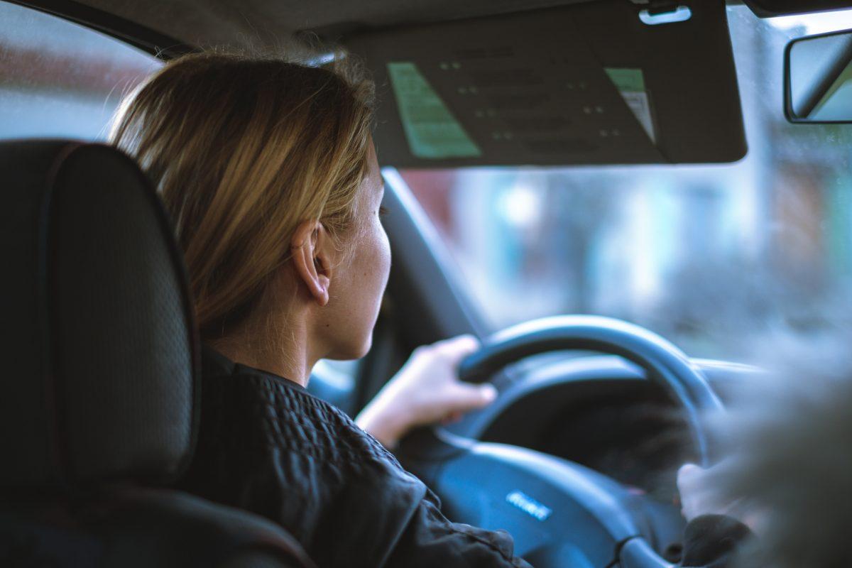 Młodzi kierowcy zapłacili w 2020 roku prawie 20% więcej za OC niż rok wcześniej!