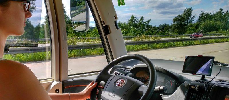 Zmiany w systemie edukacji kierowców? Rodzice nauczą jeździć samochodem?