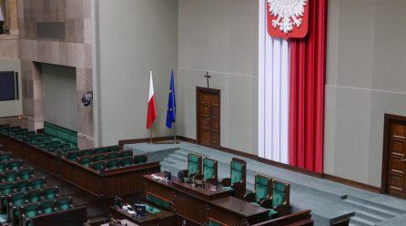Rewolucja: do Sejmu wpłynął projekt dot. zwiększenia minimalnego odstępu od wyprzedzanego motocykla