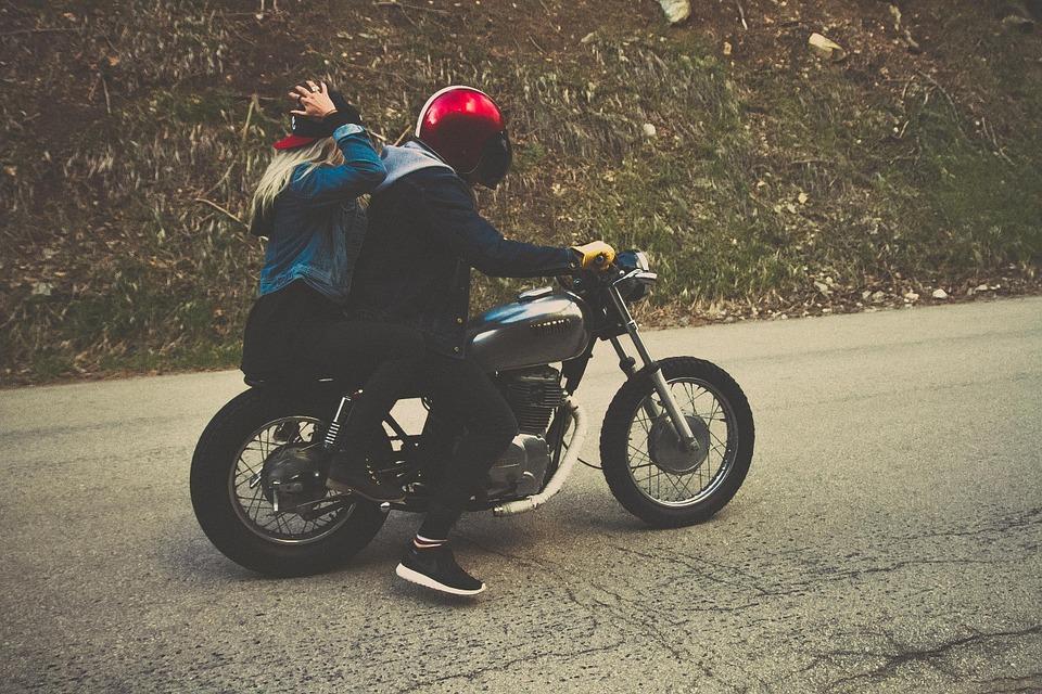 Technika jazdy motocyklem – jak ją udoskonalać?