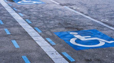 Prawo jazdy dla osoby niepełnosprawnej – krok po kroku