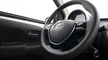 Pierwsza jazda samochodem – na czym się skupić?